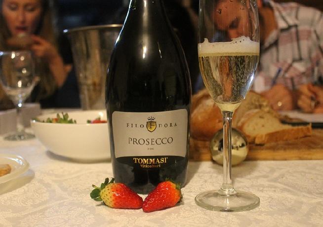 """""""נעים, טעים, עדין, הכי מוצלח מבחינתי"""" פרוסקו יקב טומאסי. צילום: עז תלם"""
