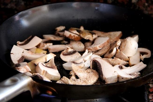 השום, התבלינים ואבקת הפטריות נכסים. צילום: קרן ביטון כהן