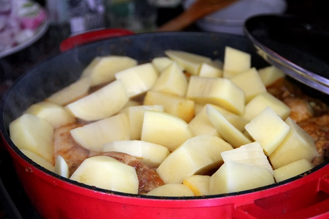 ואחריו תפוחי האדמה. צילום: קרן ביטון כהן