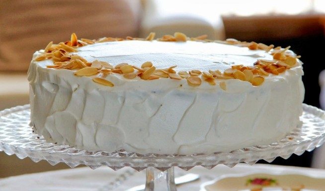 עוגת שכבות בציפוי קצפת לפסח