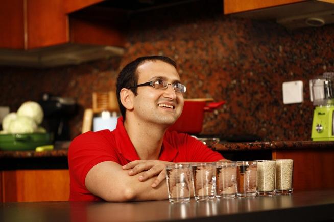 מאחורי הקלעים של הסרטון :] 2 כוסות אורז יקבלו 3-4 כוסות מים. צילום: אפיק גבאי