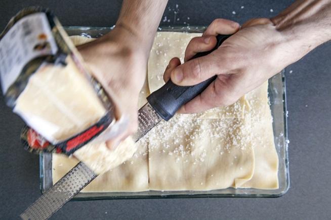 ועל הגג מפזרים שלג של גבינת פרמז'ן. צילום: אסף אמברם