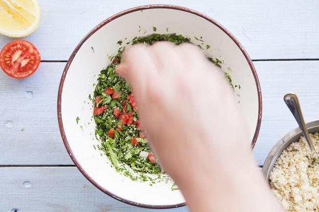 טפטופים של עגבניה. צילום: אסף אמברם