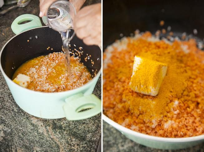 מוסיפים כורכום וחמאה ואת המים (סבתא לא מודדת, היא לבד יודעת). צילום: אסף אמברם