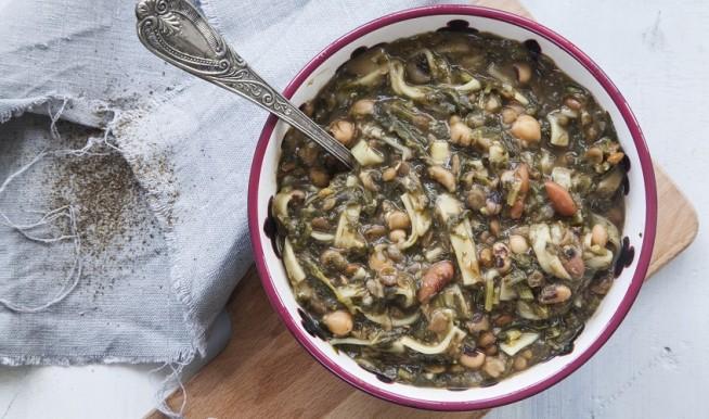 אשה רישטה, מרק שעועית ועשבי תיבול מהמטבח הפרסי