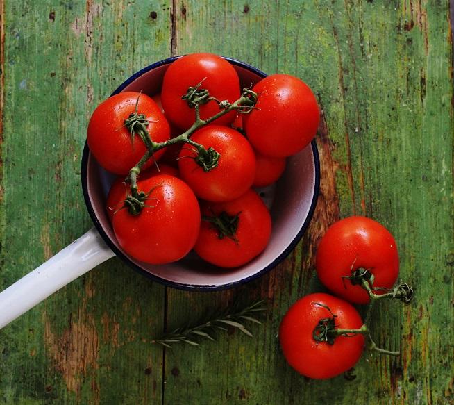 וזאת תמונת עגבניות ממש יפה ששמתי כי אני יכול. צילום: מלינה סואט
