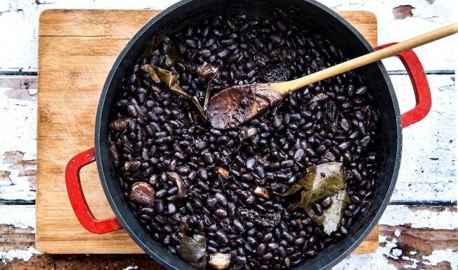 פריחולס: ממרח שעועית מקסיקני. צילום: שרית גופן