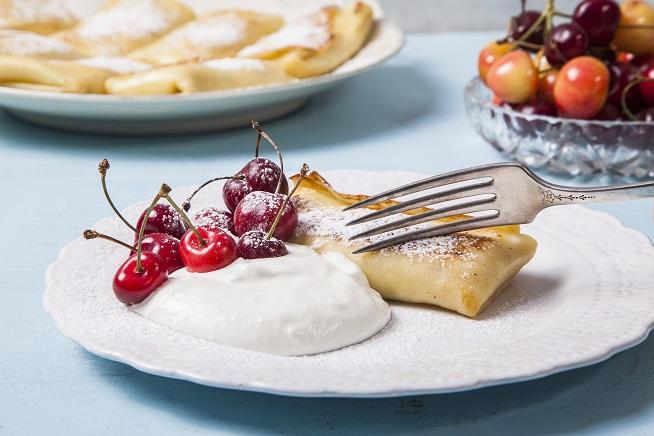 בלינצ'ס מתוק במילוי גבינה צילום: אסף אמברם