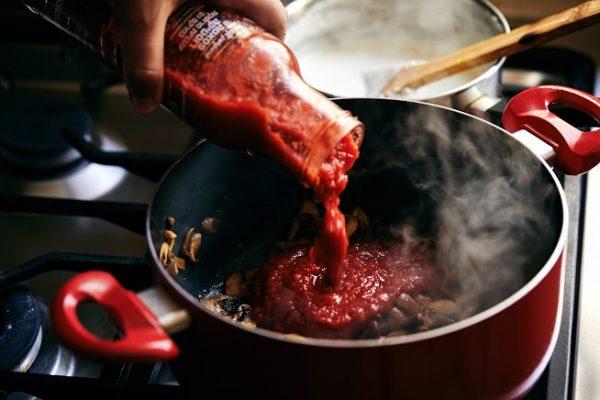 פטריות ברוטב עגבניות