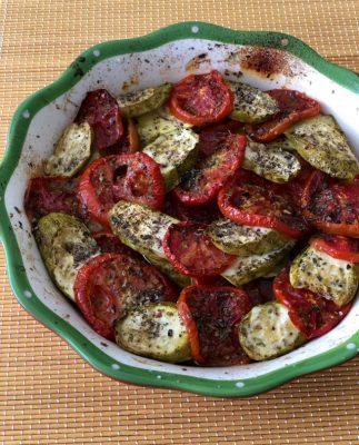 עגבניות וקישואים בתנור