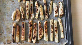 מתכון: צ'יפס קולרבי אפוי בתנור מפתיע וטעים!