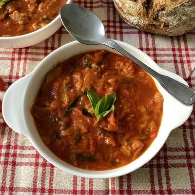 מרק עגבניות ולחם